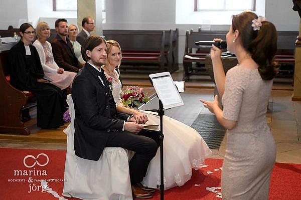 Marina und Jörg, Fotografen-Paar aus Gießen: Sängerin bei einer Hochzeit in Laubach