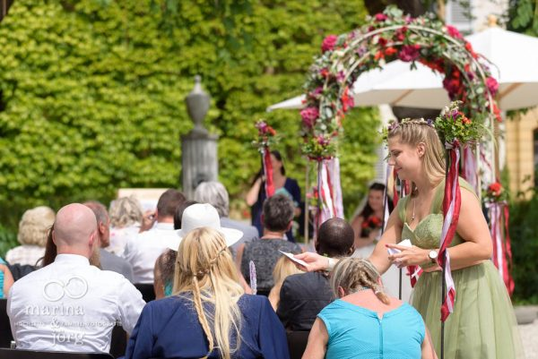 Hochzeitsfotograf Gießen: Hochzeitsreportage auf Schloss Münchenwiler bei Bern - freie Trauung