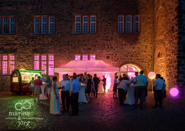 Hochzeitsreportage im Schloss Butzbach bei Gießen - abends beim Empfang