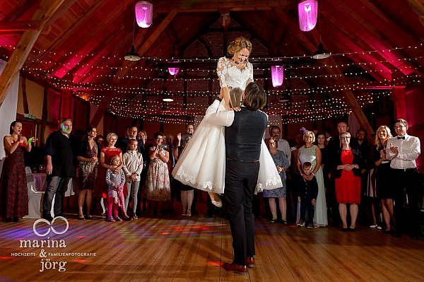 Spektakulärer Hochzeitstanz bei einer Hochzeit im Landhotel Waldhaus in Laubach (Eventscheune Blauer Löwe), einer tollen Hochzeitslocation in Hessen