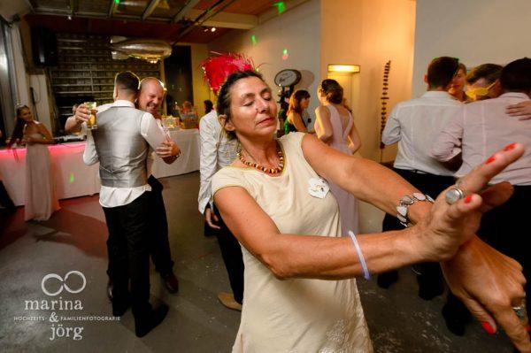 Marina und Joerg, Hochzeitsfotograf Giessen: coole Partystimmung (Hochzeitsreportage bei Bern)