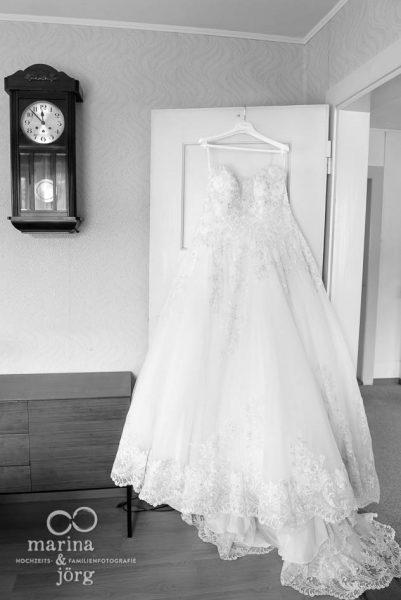 Hochzeitsfotograf Gießen: Hochzeitsreportage in Bern - Brautkleid