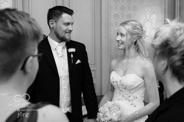Marina und Jörg, Hochzeitsfotografen aus Gießen: Hochzeit im Standesamt Villa Leutert in Giessen