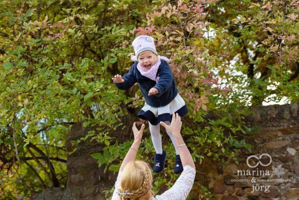 kleines Kind bei einer Hochzeit - Marina & Jörg Hochzeitsfotografie