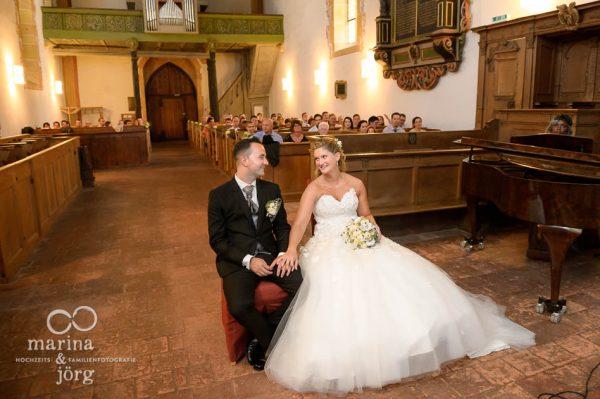 Marina und Joerg, Fotografen-Paar aus Giessen: Hochzeit in der Kirche Ligerz am Bielersee - eine der schoensten Hochzeits-Locations in der Schweiz