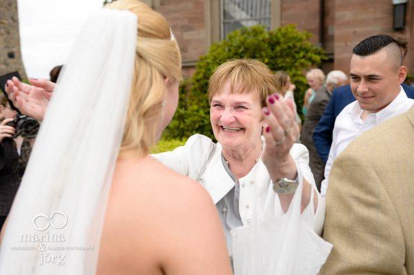 Hochzeitsfotos im Reportagestil: Momente einfangen