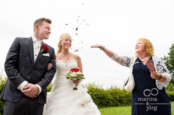 Hochzeit bei Marburg: Fotos im Reportagestil