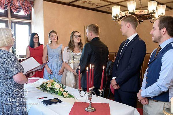 Hochzeitsfotograf Gießen: Hochzeit im Standesamt der Burg Staufenberg bei Gießen