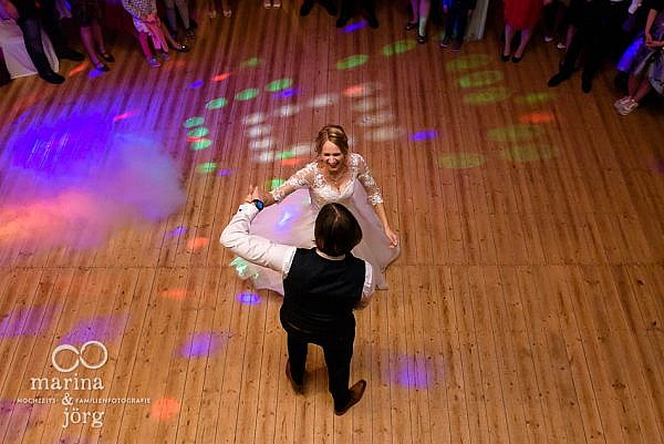 Scheunenhochzeit bei Gießen: Hochzeitsfotos im Reportagestil