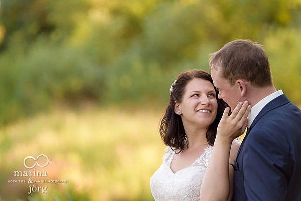 Marina & Jörg, Hochzeitsfotografie Gießen: natürliche Hochzeitsfotos entstanden bei einem entspannten After-Wedding Fotoshooting