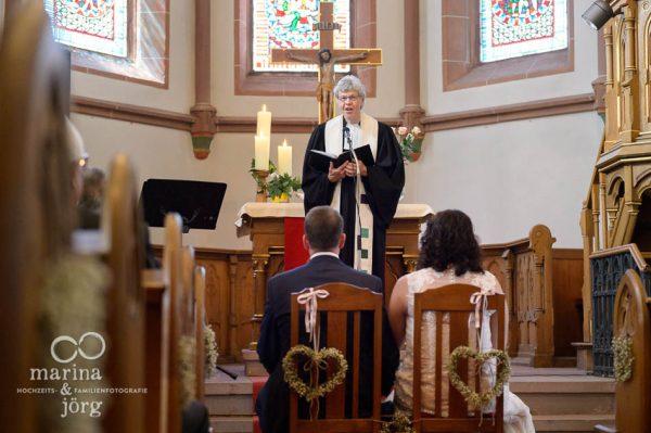 Hochzeit in Gießen - Hochzeitsfotos in der Kirche sind besonders sensibel