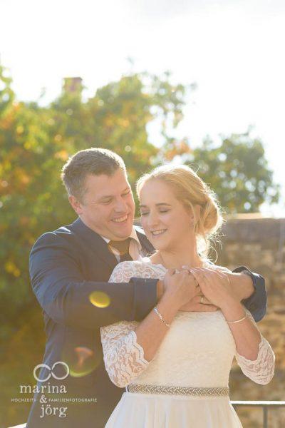 romantisches Paarshooting bei einer Hochzeit in Rockenberg bei Gießen (Standesamt Burg Rockenberg) - Hochzeitsfotografen Marina & Jörg aus Gladenbach