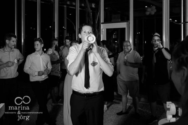 Hochzeitsfotograf Giessen: Hochzeitsreportage - Ansage des Trauzeugen