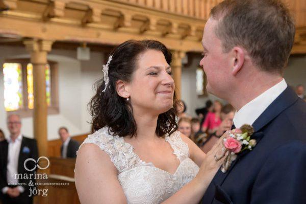 Marina & Jörg, Fotografen für eure Hochzeit in Gießen: Die emotionalsten Momente eurer Hochzeit mit einer Hochzeitsreportage für immer konservieren