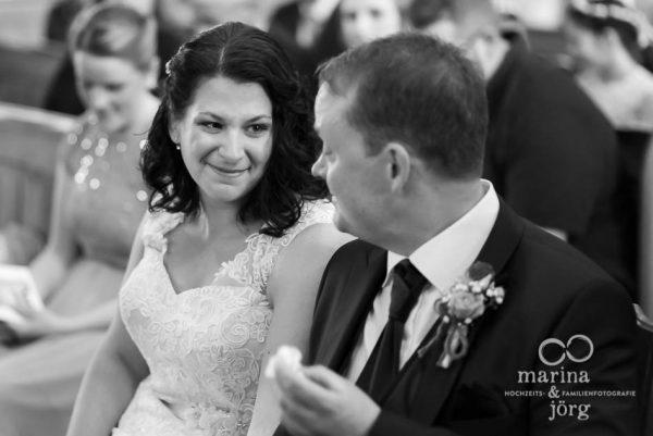 kirchliche Trauung bei einer Hochzeit in Gießen - Marina & Jörg, die besten Hochzeitsfotografen für eure Hochzeit in Gießen