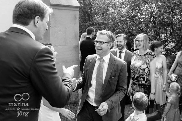Marina und Joerg, Fotografenpaar aus Giessen: Hochzeitsfoto der Gratulation