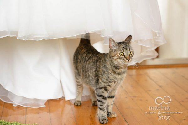 Marina und Joerg, Hochzeitsfotografen Giessen: Brautkleid