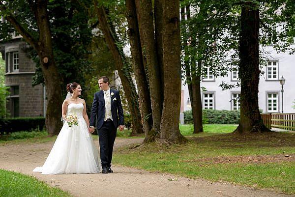 Hochzeit im Schloss Buseck - Marina & Jörg, die Hochzeitsfotografen für eure Hochzeit in Gießen