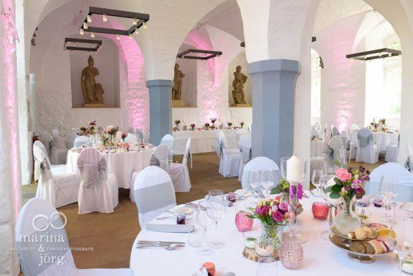 Saaldeko einer Hochzeit im Schloss Butzbach bei Gießen, einer der schönsten Hochzeitslocations in Gießen - Marina & Jörg Hochzeitsfotografie
