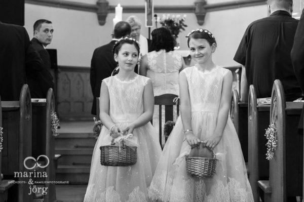 Marina & Jörg Hochzeitsfotografie: Blumenmädchen bei einer Hochzeit in Gießen