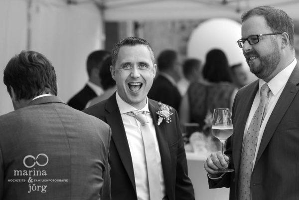 Hochzeitsfotograf Butzbach - Eindrücke beim Sektempfang - Hochzeitsfotos im Reportagestil