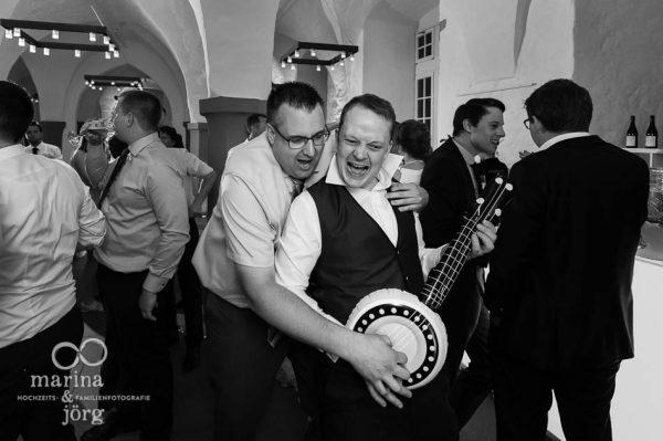 Hochzeitsreportage in Butzbach: ausgelassene Stimmung bei einer Hochzeitsparty im Landgrafenschloss  - Fotografen für eure Hochzeit