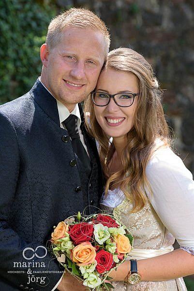 Hochzeitsfotograf Gießen: Paar-Fotoshooting bei einer Hochzeit auf Burg Staufenberg bei Marburg