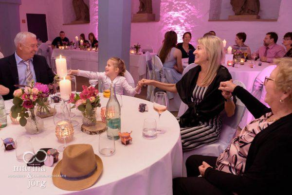 Als Hochzeitsfotograf in Butzbach unterwegs: Hochzeitsparty im Schloss Butzbach