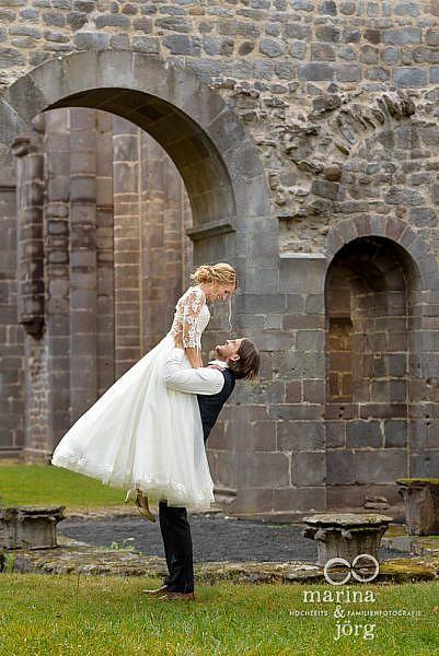 Brautpaar-Fotoshooting im Kloster Arnsburg bei Gießen - ideale Location für eure Hochzeit im Landhaus Klosterwald, Lich
