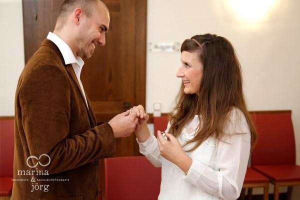 Hochzeitsfotos in Marburg: Heiraten im Standesamt Steinernes Haus