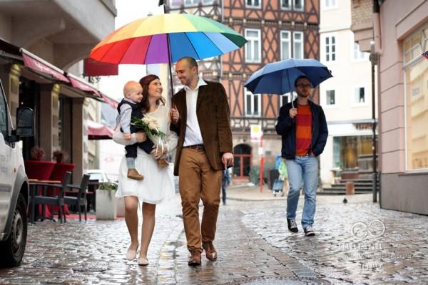 Hochzeitsfotos bei Regen in der Marburger Oberstadt