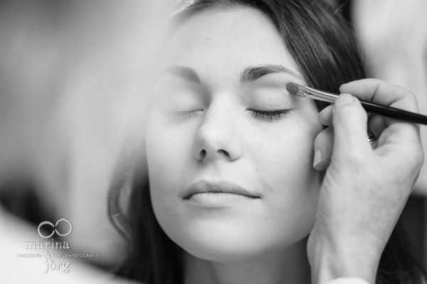 Hochzeitsfotograf Gießen: Braut-Make-up, Getting Ready (Visagistin: In Balance Kosmetik- und Wellness-Lounge)