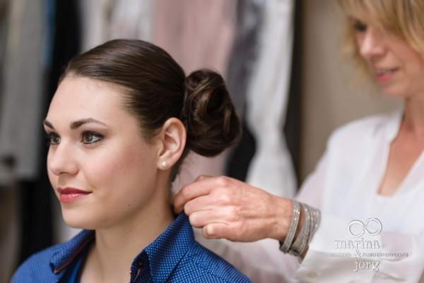 Hochzeitsfotograf Gießen: Styling-Reportage in der In Balance Kosmetik- und Wellness-Lounge, Fotos mit Visagistin wie beim Getting Ready der Braut