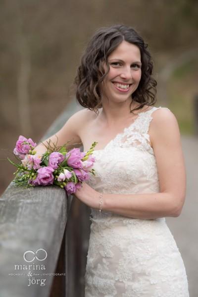 Marina & Jörg, Hochzeitsfotografen Gießen: Brautportrait beim After-Wedding-Shooting