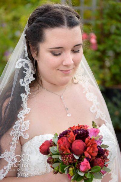 Brautportrait bei einer Hochzeit im Gartenhaus Wyss in Ostermundigen bei Bern - Hochzeitsfotograf Gießen