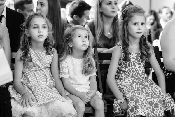 Hochzeitsreportage Giessen: Kinder in der Kirche