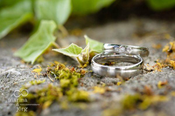 Hochzeitsfoto mit Trauringen