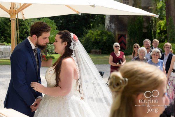 Hochzeitsreportage einer freien Trauung auf Schloss Münchenwiler bei Bern