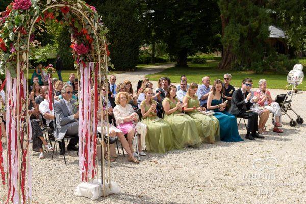 Hochzeitsfotograf Gießen: Hochzeitsreportage einer freien Trauung auf Schloss Münchenwiler bei Bern