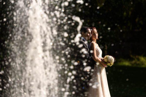 Paarshooting nach der Hochzeit im Standesamt des Schloss Buseck bei Gießen - Marina & Jörg, die besten Hochzeitsfotografen für eure Hochzeit in Gießen