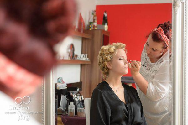 Hochzeitsreportage in Marburg: Braut beim Make-up