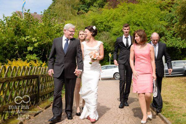 Hochzeitsreportage in Marburg: Ankunft der Braut