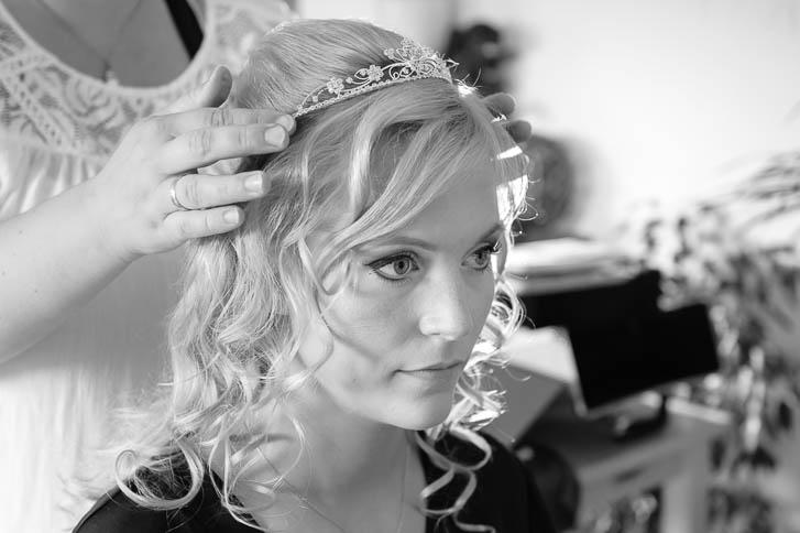 Marina und Joerg, Fotograf Giessen: Braut beim Getting-Ready