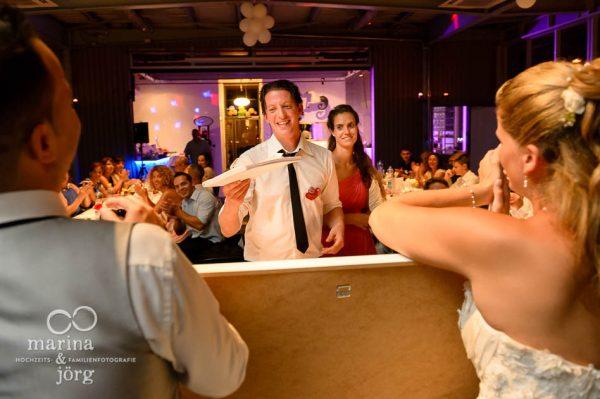 Marina und Joerg, Fotografen-Paar aus Giessen: Momente einer Hochzeitsfeier - Hochzeits-Location amboz Saeriswil