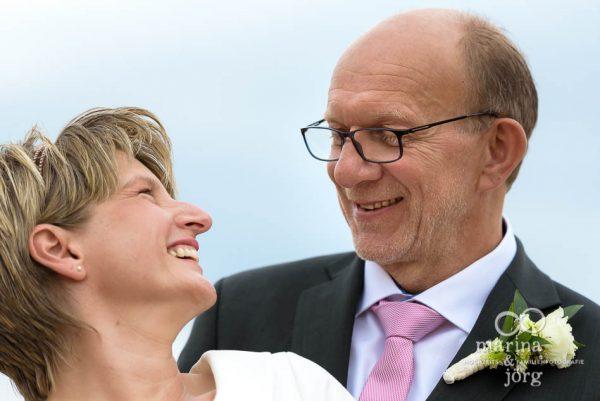Hochzeitsbilder entstanden bei einem entspannten Paarshooting nach dem Standesamt in Gladenbach - Marina & Jörg ∞ Hochzeitsfotografie