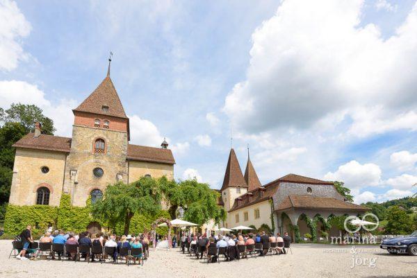 Schloss Münchenwiler, eine der schönsten Hochzeitslocations in der Nähe von Bern - Hochzeitsfotografen Marina und Jörg aus Gießen