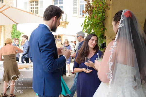 Apero nach einer Hochzeit im Schloss Münchenwiler bei Bern - Hochzeitsfotografen Gießen