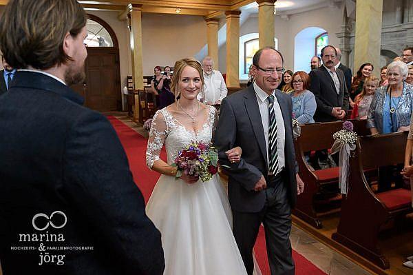 Marina und Jörg, Hochzeitsfotografen Gießen: Trauung in der Stadtkirche Laubach bei Gießen