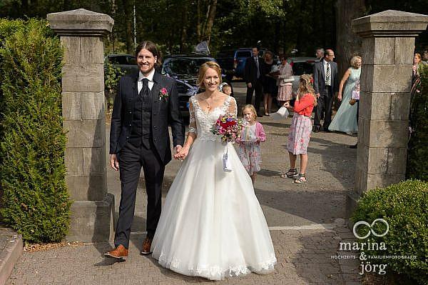 Hochzeitsreportage im Landhotel Waldhaus in Laubach - Ankunft des Brautpaares