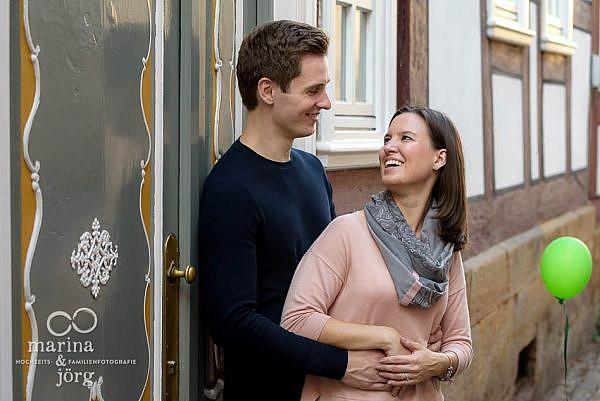 Hochzeitsfotograf für Marburg: Paar-Fotoshooting vor der Hochzeit zum Kennenlernen mit den Fotografen